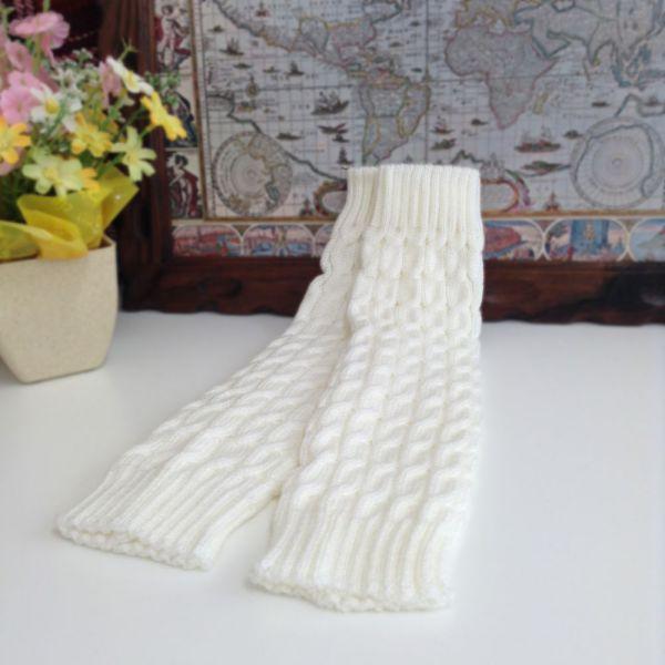 ニットレッグウォーマー - 暖かくて可愛いケーブル編みのニットレッグウォーマーです。